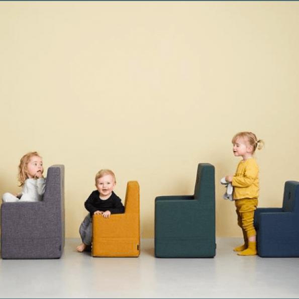 by KlipKlap Kids Chair XL - Mørk Grønn m/ Grønn Knapp